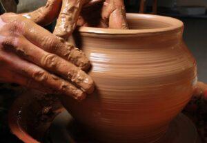 Jeremias 18 | Você é barro ou é vaso na mão de Deus?
